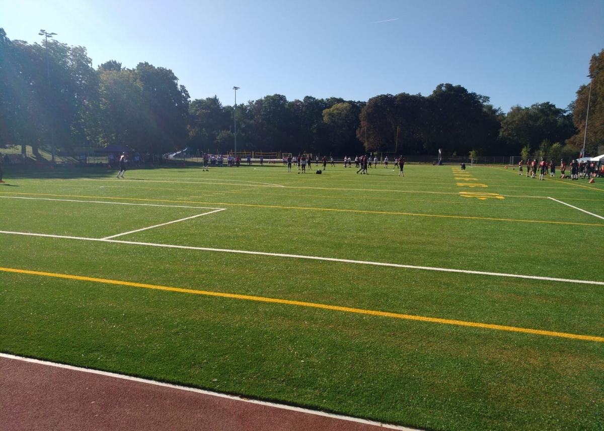 New sports field for the Cologne Falcons in the Ostkampfbahn sports facility