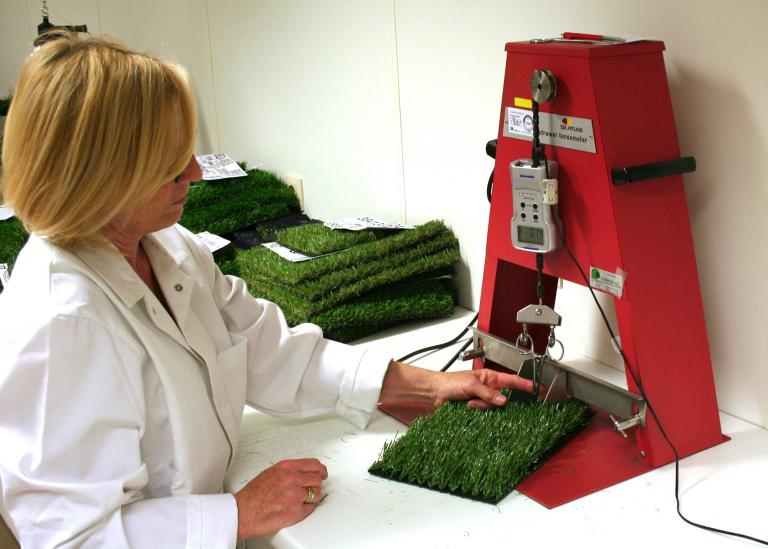Research & Development - lab tests - Domo Sports Grass